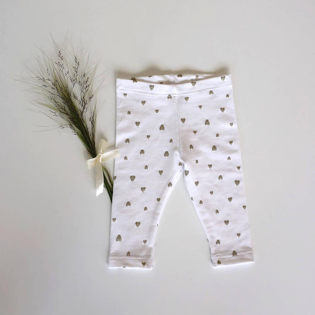 Detské oblečenie - Biele legínky so srdiečkami - 12107419_