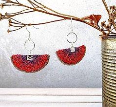 Náušnice - Vyšívané náušnice Francúzske uzlíky Fialovo-červené - 12105632_
