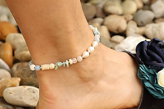 Náramky - Náramok na nohu s minerálmi larimar, jadeit, howlit, perly - 12105736_