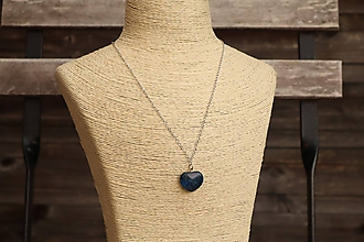 Náhrdelníky - Retiazka z nerezu a srdiečko modrý jaspis - 12105761_