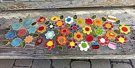 Dekorácie - Kvietky na mozaikovanie - 12108833_
