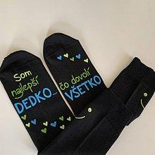 """Obuv - Maľované ponožky s nápisom: """"Najlepší dedko, čo dovolí všetko"""" (čierne 2) - 12109349_"""