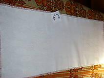 Úžitkový textil - Ručne vyšívaný ľanový obrus biely / štóla / - 12112263_