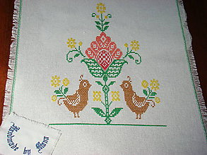 Úžitkový textil - Ručne vyšívaný ľanový obrus / štóla / - 12112504_