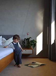 Detské oblečenie - Sivé nohavice na traky z mušelínu - 12112027_