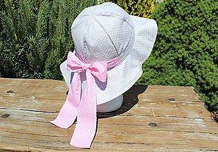 Detské čiapky - Detský letný klobúčik- šedo ružový, bodkovaný - 12112492_