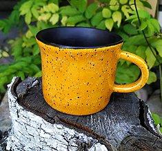 Nádoby - Žlto čierna šálka na kávu - 12114704_