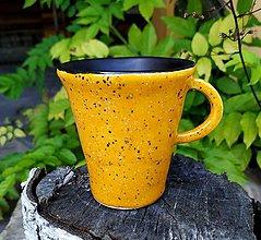 Nádoby - Žlto čierna šálka na kávu- štíhla - 12114719_