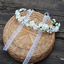 Ozdoby do vlasov - Nežný ružičkový venček biely, krémový - 12118942_