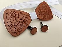Doplnky - Drevený svadobný motýlik a manžetové gombíky - 12117057_