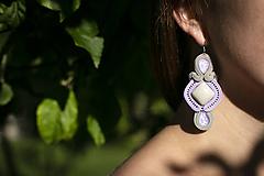 Púdrové trblietanie II - soutache earring - ručne šité šujtášové náušnice