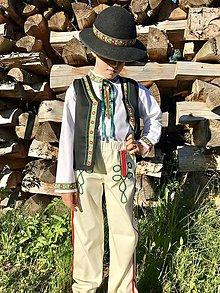 Detské oblečenie - Ľudový chlapčenský kroj v zelenom s vestičkou - 12124378_
