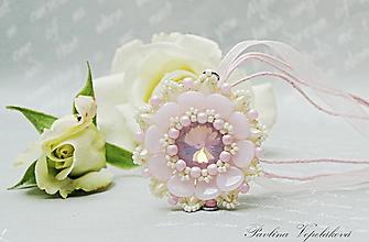 Náhrdelníky - Prívesok so Swarovski rivolkou Mira ružovobiely - 12125196_
