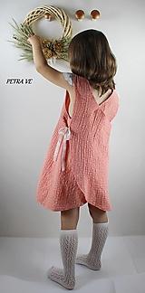 Broskyňové bodky - detské mušelínové šaty