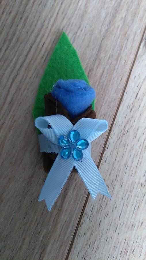 Pierko modrá ružička z filcu