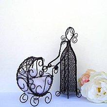 Dekorácie - Drátovaná maminka s kočárkem - 12131853_
