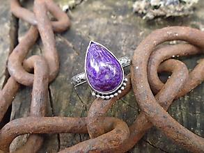 Prstene - Strieborný prsteň Ag925 Sugilit - 12137930_