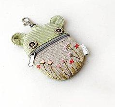 Kľúčenky - Kapsička na slúchadlá Zvieratko vyšívané - lúčne kvietky ružové - 12137251_
