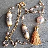 Náhrdelníky - Piesčitý-perlový náhrdelník - 12137358_