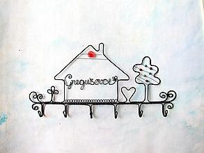 Nábytok - veľmi osobný vešiak - 12137679_