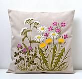 Úžitkový textil - Vankúš-ručne maľovaný-Lúčne kvety - 12139277_