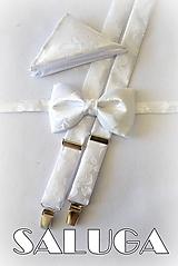 Doplnky - Svadobný pánsky set - motýlik, traky a vreckovka - biely, vzorovaný - 12141324_