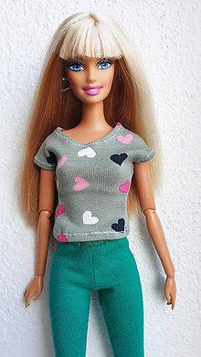 Hračky - Srdiečkové tričko khaki pre Barbie - 12140138_