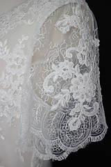 Šaty - Svadobné šaty so širším V výstrihom a tylovou sukňou - 12142775_