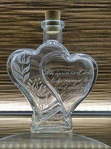 Nádoby - Gravírovaná fľaša mladomanželom, srdcia - 12147111_