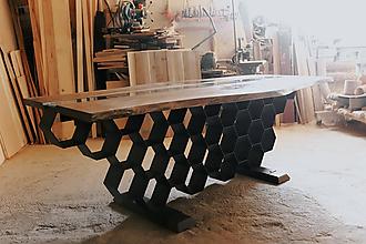 Nábytok - Jedálenský stôl (Med v dreve). - 12149717_