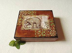 Krabičky - Drevená krabička Medveď - 12150386_