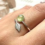 Prstene - Simple Leaf Light Green Tourmaline Ag925 Ring / Strieborný prsteň so zeleným turmalínom - 12152814_