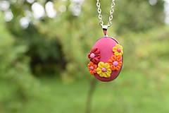 Náhrdelníky - Farebný kvetinkový náhrdelník - 12153649_