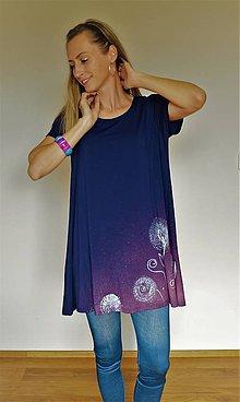 Tuniky - Modrá úpletová tunika ručne maľovaný motív púpavy - 12154815_