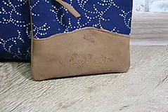 Kabelky - Kožená modrotlačová kabelka Dara WILD1+ taštička - 12156552_