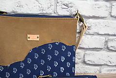 Kabelky - Kožená modrotlačová kabelka Dara WILD 3+ taštička - 12156578_