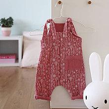 Detské oblečenie - ZĽAVA- posledný kus veľ. 68 Ružový mušelínový overal s kvietkami - 12159145_