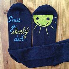 """Obuv - Motivačné maľované ponožky s nápisom """"Dnes je skvelý deň"""" (tmavomodré) - 12161030_"""