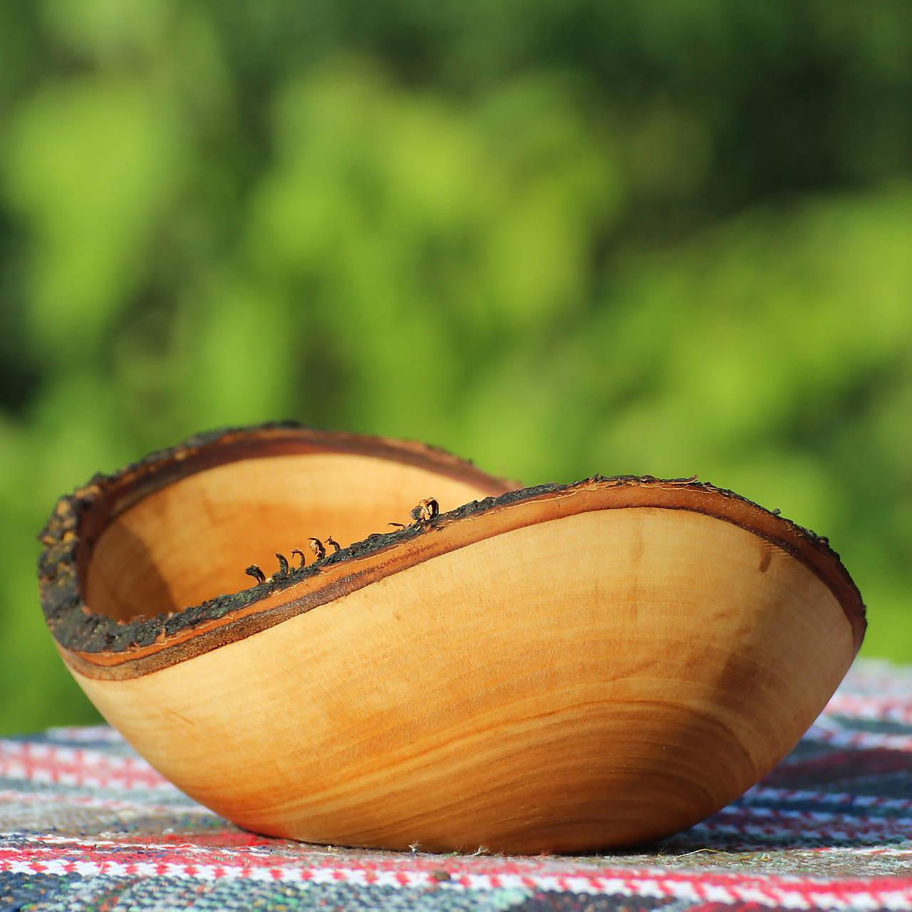 miska s kôrou