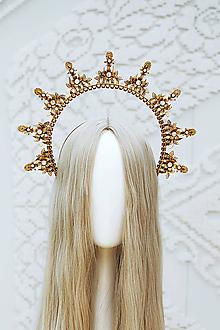 Ozdoby do vlasov - Zlatá Halo crown s bielymi perličkami - 12166832_