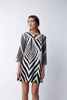 Šaty - Koktejlové čiernobiele šaty - 12165465_