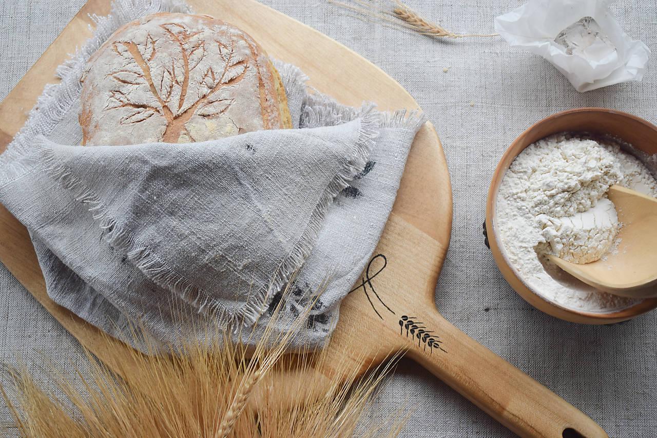 Sádzacia lopata na chlieb