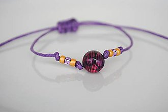 Náramky - Náramok s achátom s fialovými pruhmi - zaťahovací z voskovanej šnúrky - 12169745_