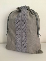 Úžitkový textil - Podšité ľanové vrecko s bavlnenou krajkou - 12167624_