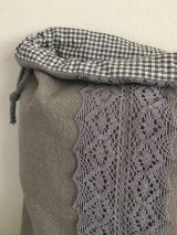 Úžitkový textil - Podšité ľanové vrecko s bavlnenou krajkou - 12167625_