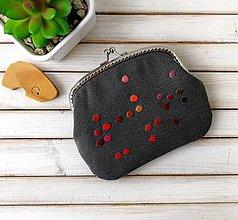 Peňaženky - Peňaženka XL Bodky na šedej (s kapsičkou) - 12167322_