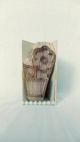 Dekorácie - Kvietok v kvetináči  - vyskladaný z knihy - 12170143_