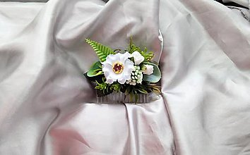 Ozdoby do vlasov - Biely kvetinový hrebeň do vlasov - 12174893_