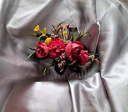 Ozdoby do vlasov - Červený kvetinový hrebeň do vlasov na redový tanec - 12174924_
