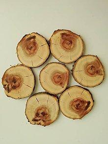 Drobnosti - Drevené plátky cca 4 cm (s prasklinkami, priemer 4 - 4,5 cm) - 12174653_